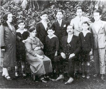 1928 - Mato Grosso (Brasile) - Agostino Signorini, emigrato da Gavinana (Pistoia), con la moglie e gli otto figli