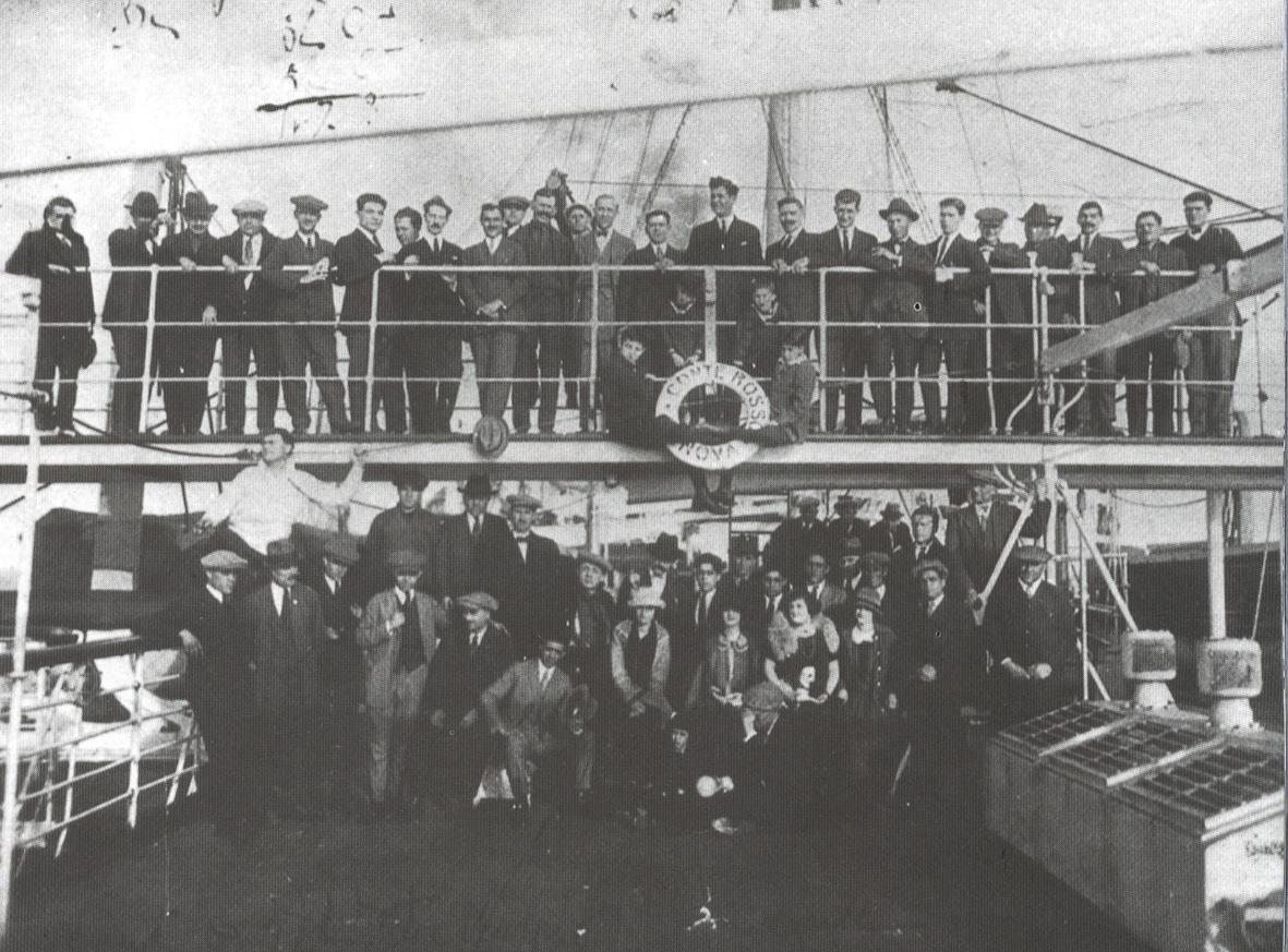 """1909 - Genova. Partenza del transatlantico """"Conte Rosso"""""""