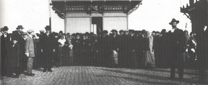 1913 - Montevideo (Uruguay) - Arrivo di emigranti al porto