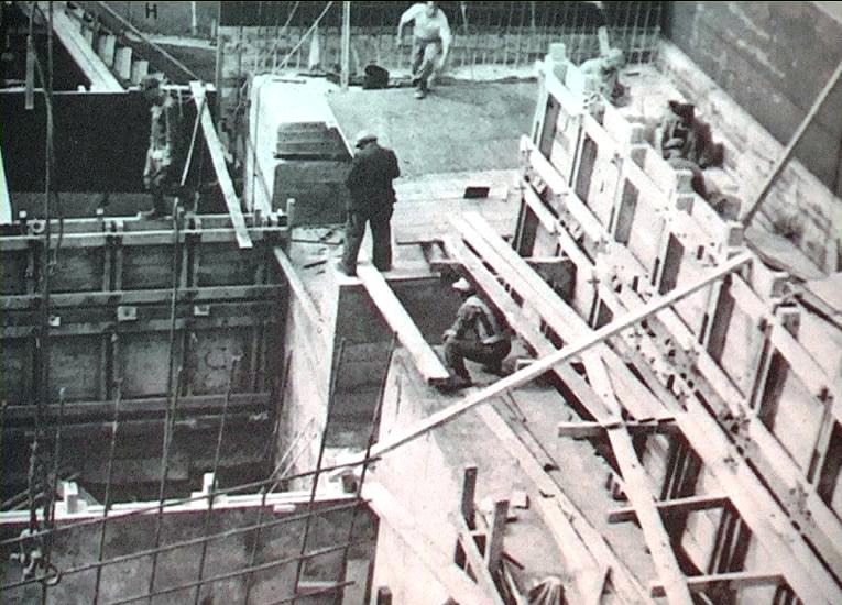 1952 - Tasmania (Australia) - Emigranti umbri in un cantiere