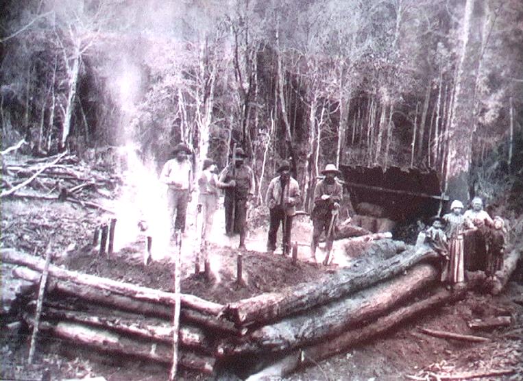 1905 - Capitan Pastene (Cile) - Emigranti emiliani impegnati nella produzione di carbone