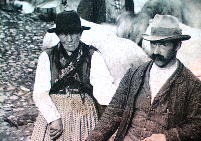 1900 circa - Contadini della Val di Fiemme (Trentino)