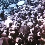 1925-30 - (America Latina) - Moltidudine in una città